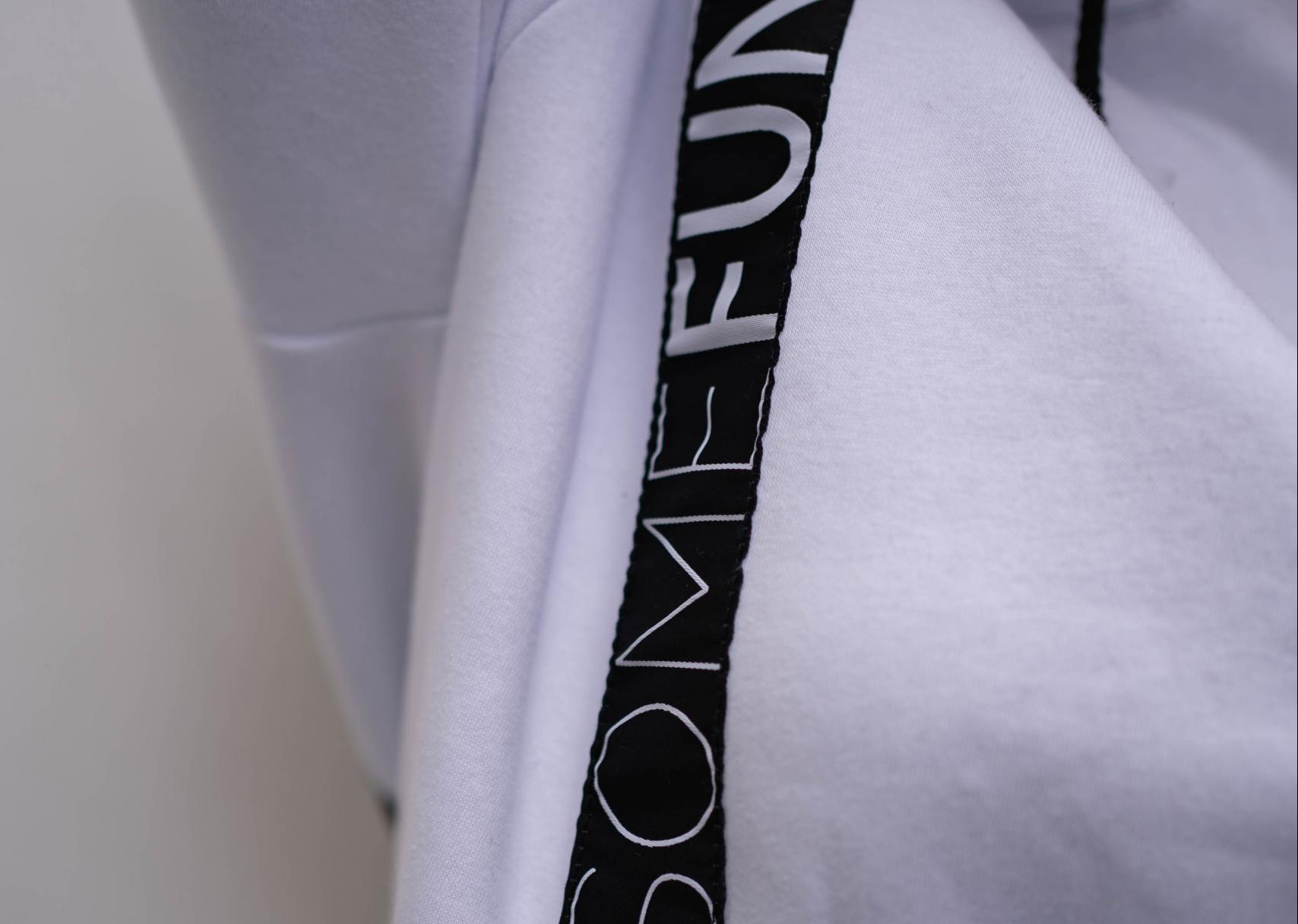 witte hoodie